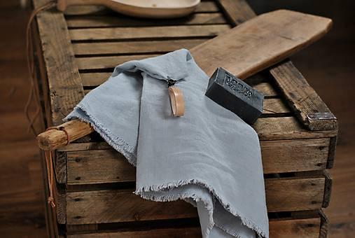 Úžitkový textil - ľanový uterák s odnímateľným koženým pútkom - 8852440_