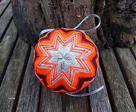 Dekorácie - Oranžovo bordové vianočné gule v košíčku (vzor č.3) - 8858867_