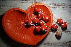 Dekorácie - vianočné ozdoby - orechy červenobodky - 8861482_