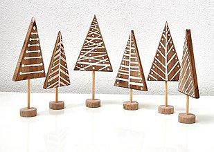 Dekorácie - Drevené ozdoby na stromček-Stromčeky - 8858590_