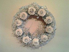 Dekorácie - vianočný veniec šedo-maslový - 8856340_
