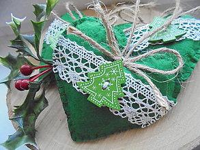 Dekorácie - Vianočné srdiečka s folkovým stromčekom - 8861371_