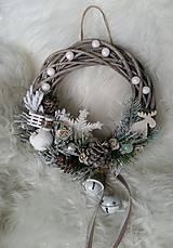 Dekorácie - Vianočný veniec s rolničkami - 8856528_