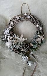 Dekorácie - Vianočný veniec s rolničkami - 8856533_