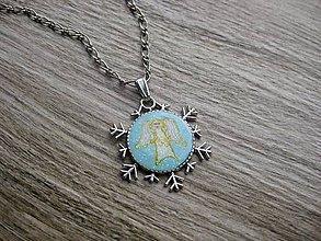 Náhrdelníky - Strážny anjel v snehovej vločke náhrdelník č.1641 - 8858191_