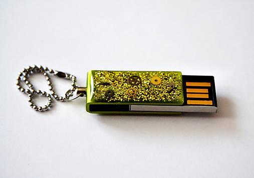 Prívesok na kľúče USB - 8GB   Resinka - SAShE.sk - Handmade Kľúčenky 441d1c9677d