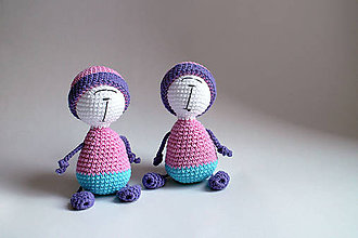 Hračky - Háčkovaná postavička - Ružová   Modrá   Fialová   spiaca   Ňuňúch s čiapkou   Dvojičky - 8863183_