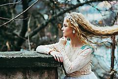 Jednoradová mosadzná čelenka s bielymi kvetmi-Slavianka