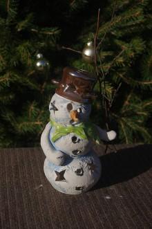 Svietidlá a sviečky - snehuliak-svietnik - 8862612_