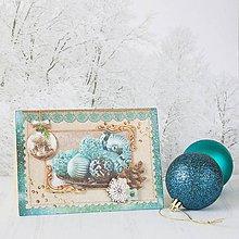 Papiernictvo - Royal Christmas - tyrkysovo-zlatá pohľadnica s ozdobami, šiškou a vločkami - 8862928_