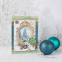 Papiernictvo - Royal Christmas - tyrkysovo-zlatá pohľadnica so zasneženými stromami v starožitnom ráme - 8862974_