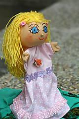 Maňuška. Dievčatko Rozárka.