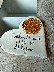 Darčeky pre svadobčanov - ivory magnetky so zlatou pečiatkou - 8864654_