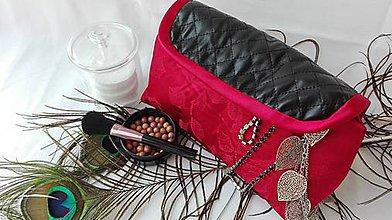 Taštičky - Cestovná kozmetická taštička s organizérom na štetce (Červená) - 8862450_