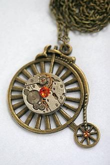 Náhrdelníky - Steampunkový náhrdelník Velocipéd - 8863138_