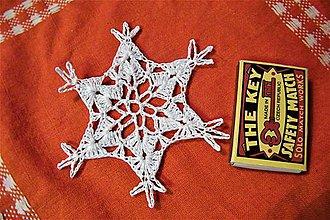 Dekorácie - Háčkovaná vianočná vločka 2 - 8867746_