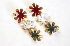 Mosadzné dlhé náušnice s farebnými kvetmi - Slavianka