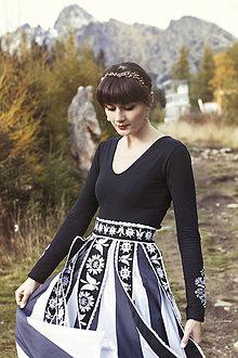 Ozdoby do vlasov - Jednoradová mosadzná čelenka s čiernymi kvetmi a guličkami - Slavianka - 8870090_