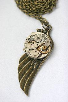 Náhrdelníky - Steampunkový náhrdelník Krídlo - 8869181_