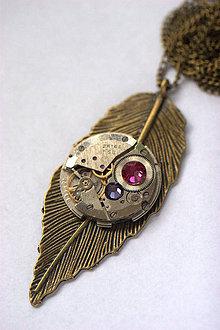 Náhrdelníky - Steampunkový náhrdelník Pierko - 8869234_