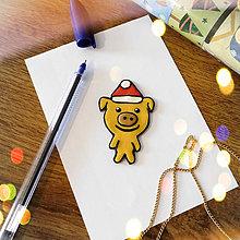 Magnetky - ★ Vianočná magnetka cartoon (zlaté prasiatko) - 8872104_