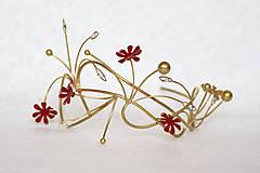 Ozdoby do vlasov - Jedinečná mosadzná čelenka s červenými kvetmi, mesačnými kameňmi a guličkami - Slavianka - 8876163_