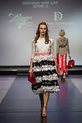 Ozdoby do vlasov - Jedinečná mosadzná čelenka s červenými kvetmi, mesačnými kameňmi a guličkami - Slavianka - 8876182_