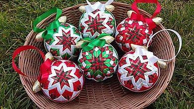 Dekorácie - vianočná guľa patchwork ,, Mikulášske vianočné gule  ,, - 8874519_