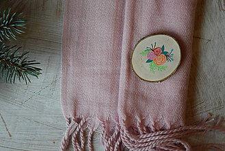Odznaky/Brošne - Drevená brošňa na kabát - 8878442_