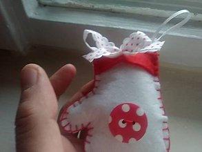 Dekorácie - Vianočná rukavička - ozdôbka (Biela) - 8876967_