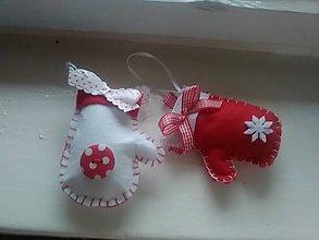 Dekorácie - Vianočná rukavička - ozdôbka - 8877001_