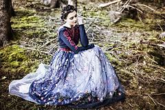 Šaty - Čierno červené vyšívané šaty Slavianka - 8876912_
