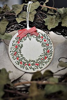Dekorácie - Vianočný guľa s venčekom a mašľou - 8877770_