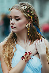 - Mosadzné dlhé kvetinové náušnice s perleťou a ulitami - Slavianka - 8880496_