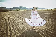 Ozdoby do vlasov - Mosadzný exkluzívny konárikový venček s kvetmi, ruženínmi a guličkami - Slavianka - 8881857_