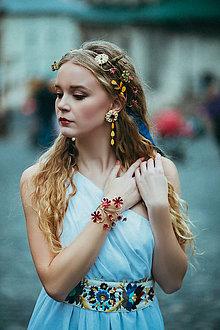 Ozdoby do vlasov - ZĽAVA-Mosadzný jedinečný venček s červenými kvetkami, žltou perleťou a kvetmi s ulitami - Slavianka - 8880216_