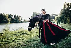 Šaty - Čierne lupienkové šaty Slavianka - 8881669_