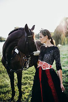 Šaty - Čierne lupienkové šaty Slavianka - 8881657_