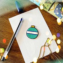 Magnetky - ★ Vianočná magnetka cartoon (vianočná guľa s pásikom) - 8882126_