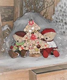 Dekorácie - Závesná dekorácia: Stromček natur s medvedíkmi - 8884973_