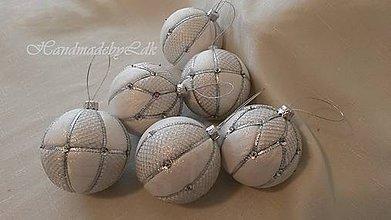 Dekorácie - Vianočné gule - bielo-strieborné 1 - 8887339_