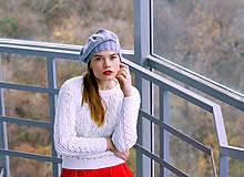 - Biely svetrík s perličkami - 8887521_