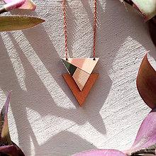Náhrdelníky - Drevený náhrdelník Seržantka - 8887438_