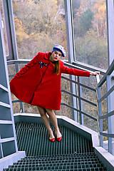 Kabáty - Červený áčkový kabát - 8887162_