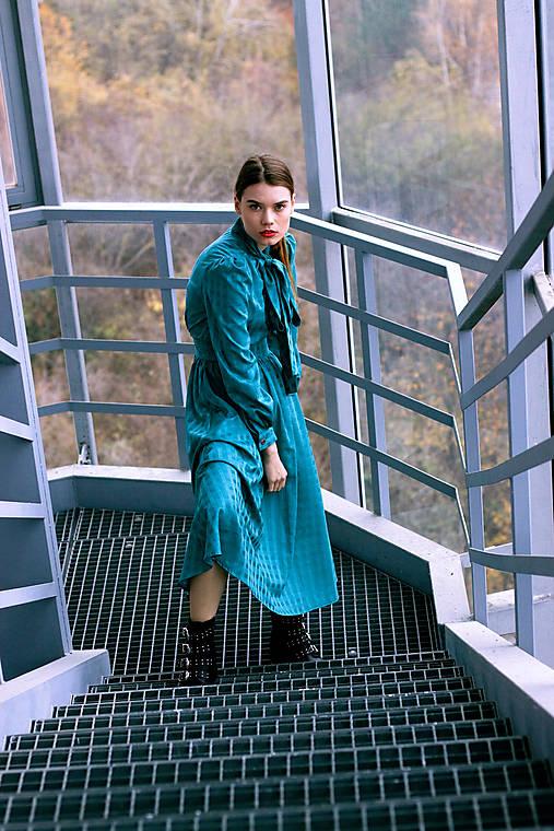 Tyrkysové bavlnené šaty vo vintage štýle s mašľou