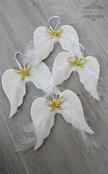 Dekorácie - Na bielych krídlach (Strieborná) - 8891361_