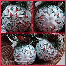 Dekorácie - vianočná guľa patchwork folk - 8889777_