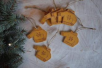 Dekorácie - Zimné svetríky na stromček :)  - 8892207_