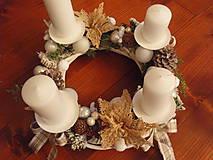 Dekorácie - Adventný veniec bielo-sivý, béžový s jutovými kvetmi 30cm - 8892343_