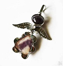 Náhrdelníky - Cínovaný (tiffany) prívesok anjelik s ametystom - 8892934_